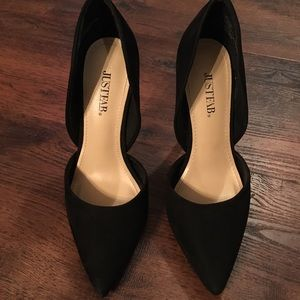 Cute and Stylish Black Heels Size 6